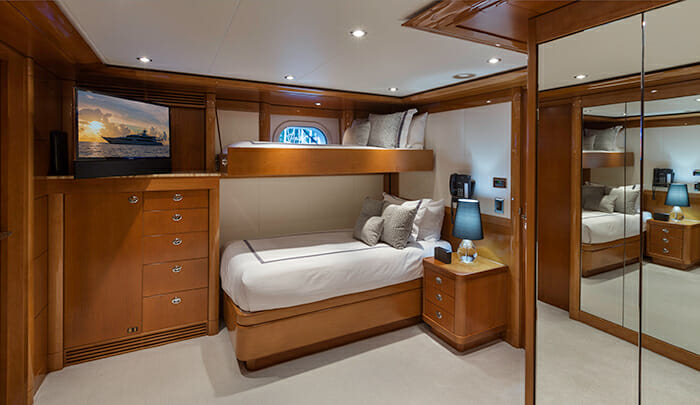 Aquavita twin bed with pullman
