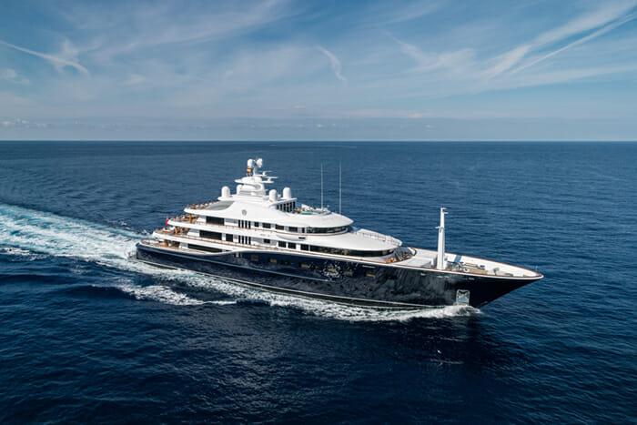 Yacht Aquila