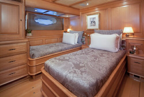 Athos twin cabin