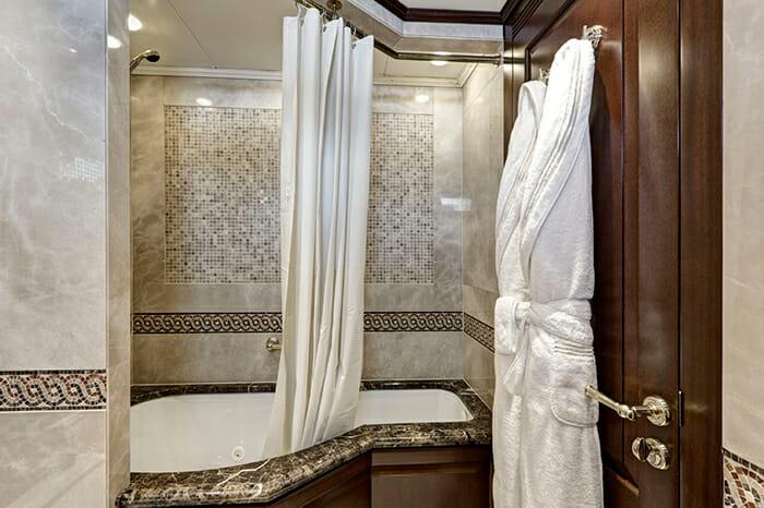 Azteca II guest bathroom