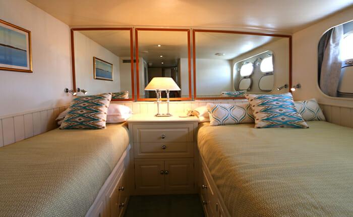 Bahama twin cabin