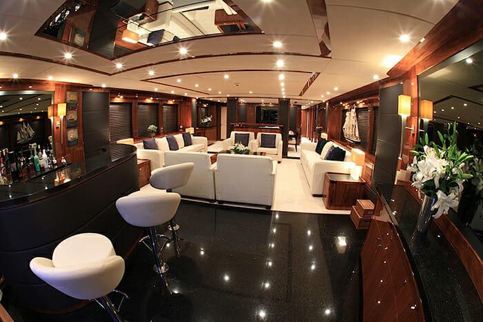 Barracuda Red Sea salon