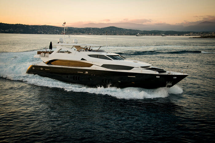 Yacht Black and White
