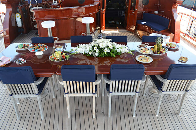 Blue Eyes deck dining