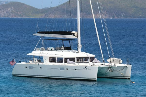 Catamaran Blue Moon