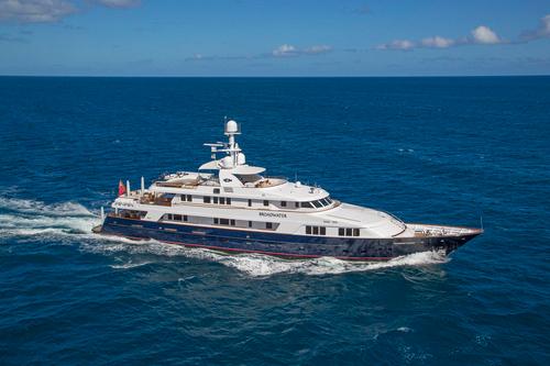 Yacht Broadwater
