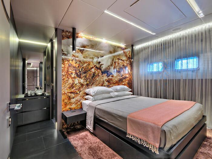 Cacos V guest cabin