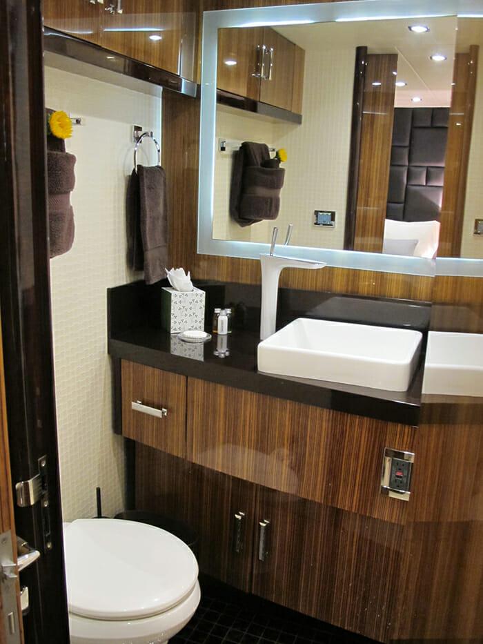 Calliope twin bathroom