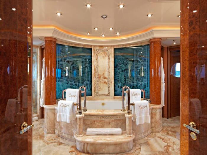 Capri I master bathroom jacuzzi