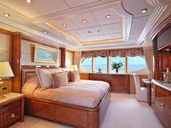 Capri I master cabin
