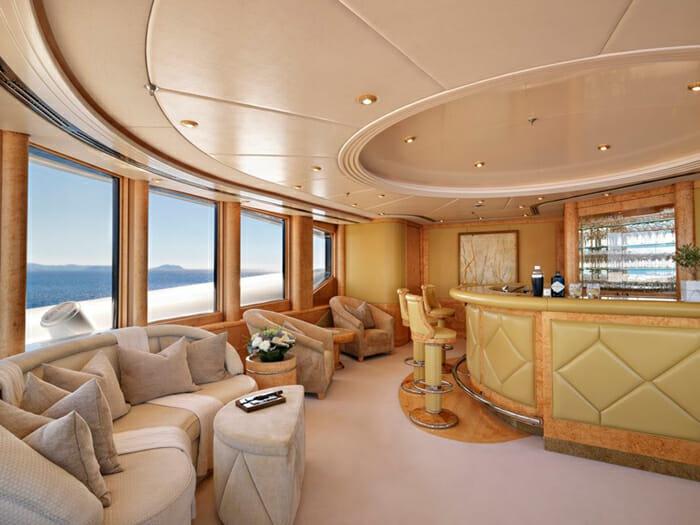 Capri I observation deck lounge bar