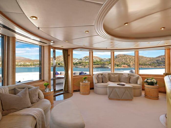 Capri I observation deck lounge