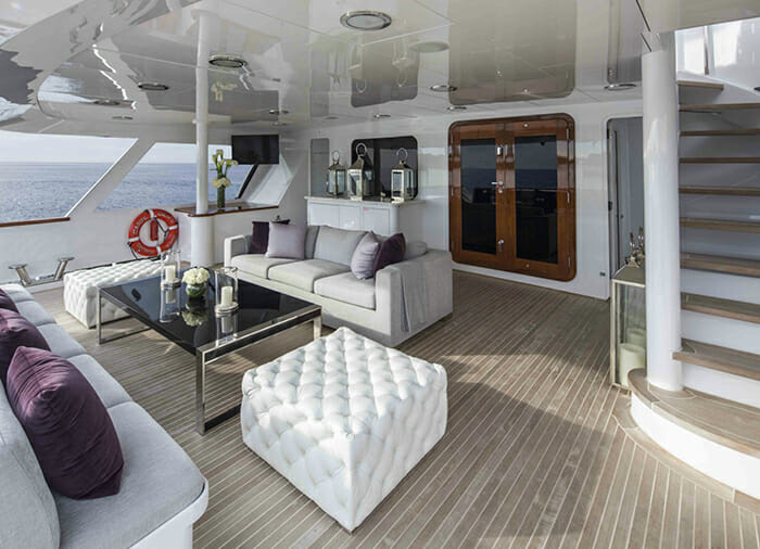 Carpe Diem II main deck aft