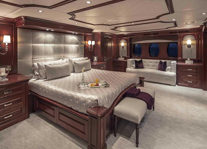 Carpe Diem II master cabin