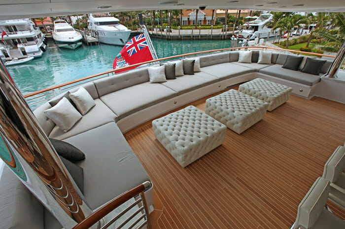 Carpe Diem skylounge deck