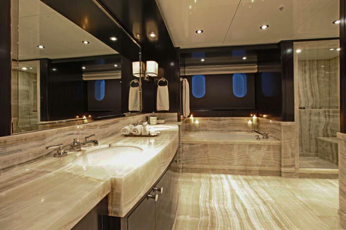 Carpe Diem vip bathroom