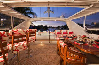 Carte Blanche sundeck retractable roof