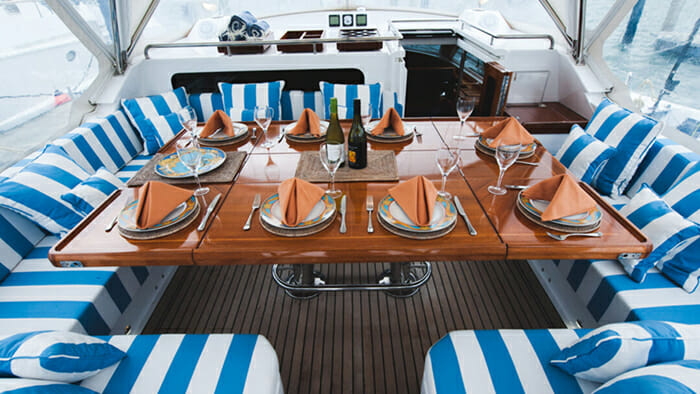 Concerto deck dining