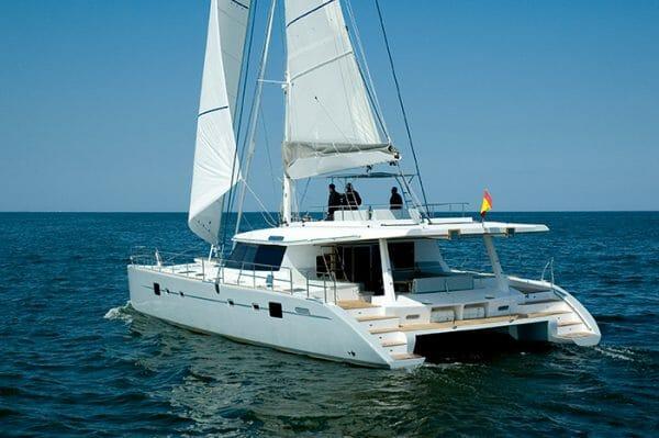 Depende IV catamaran