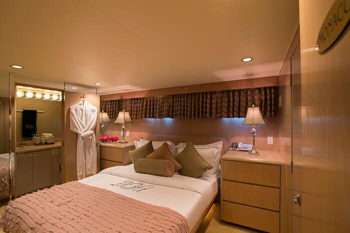 DOA guest cabin