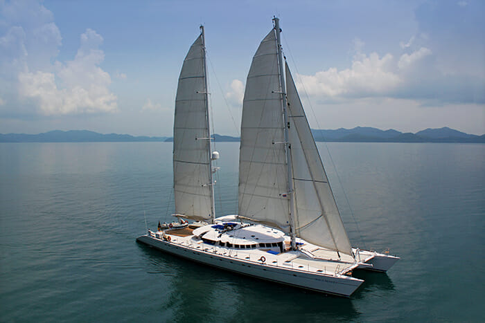 Douce France sailing