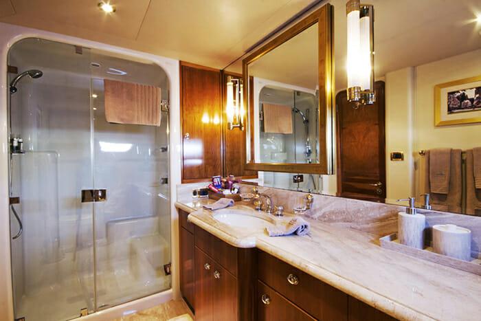 Endless Summer master bathroom