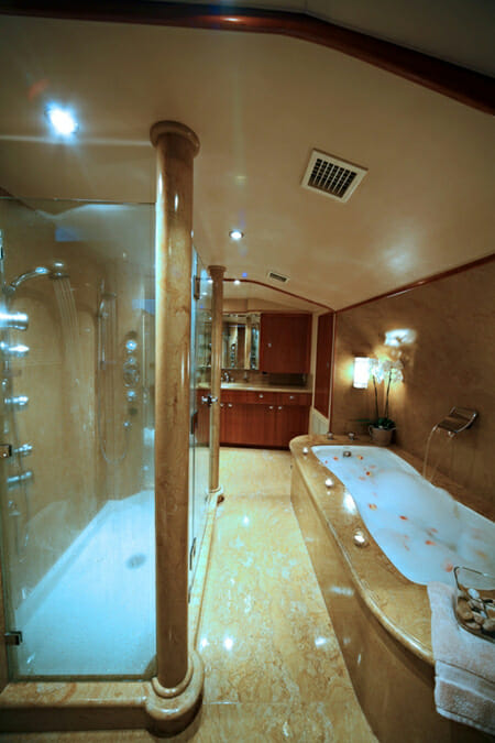 Endless Summer master bathroom
