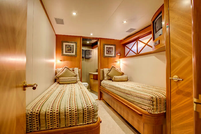 Equinox twin cabin
