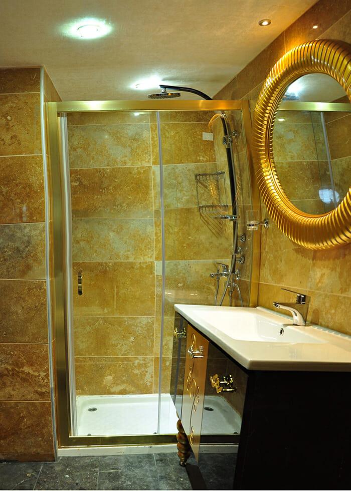 Esma Sultan guest bathroom