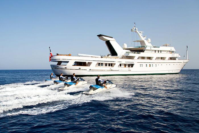 Esmeralda jetskis