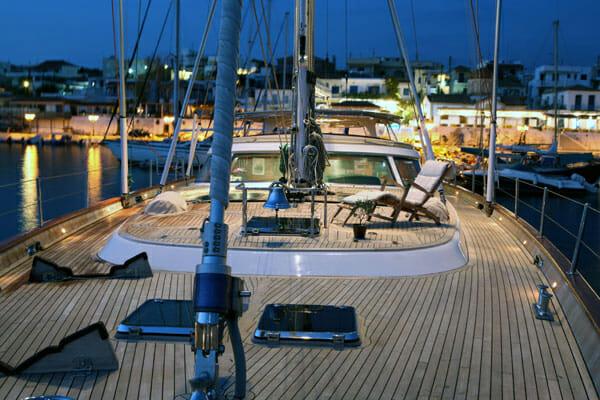 Gitana forward deck