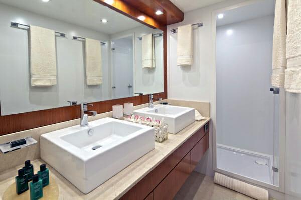 Helios guest bathroom