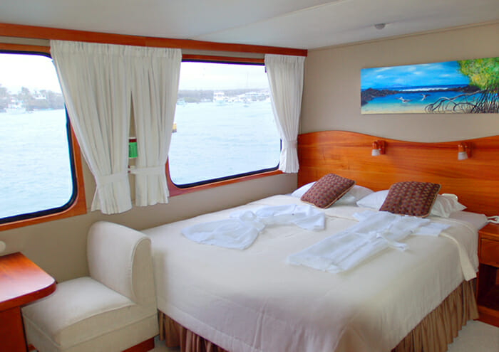 Integrity convertible twin or king stateroom