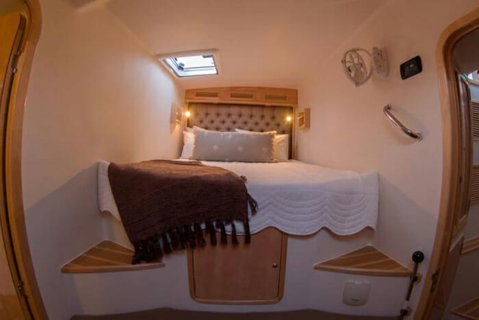 Invictus guest cabin