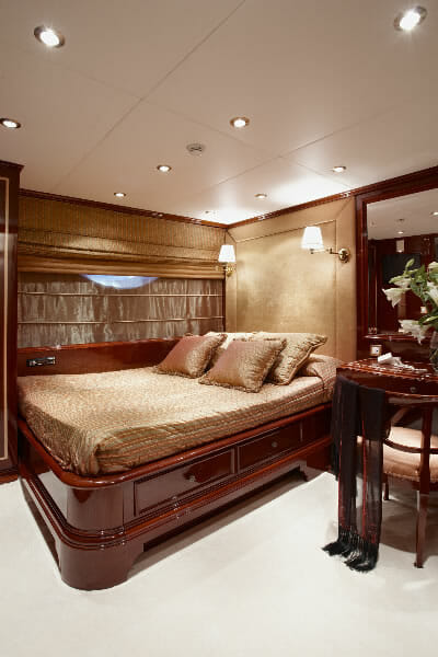 Iraklis L double cabin