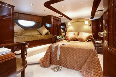 Iraklis L vip cabin