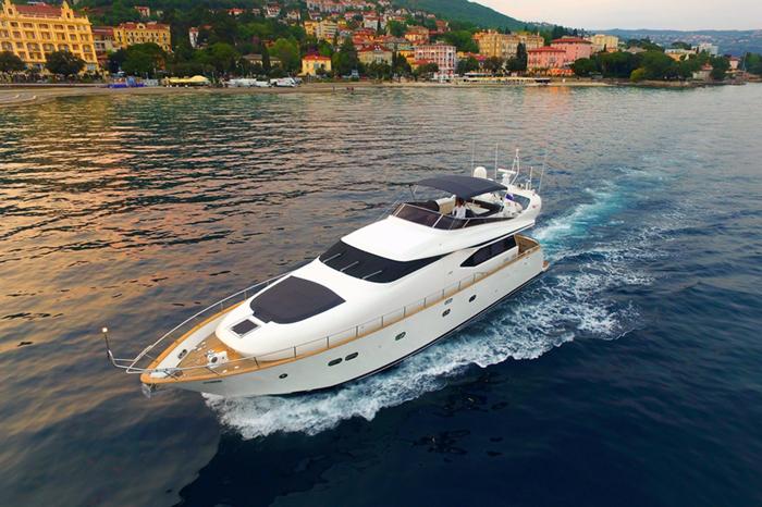 Yacht Jantar