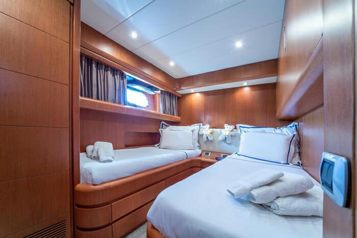 Jantar twin cabin convertible into double