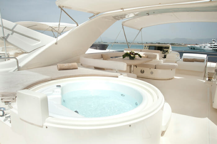 Julie M flybridge jacuzzi