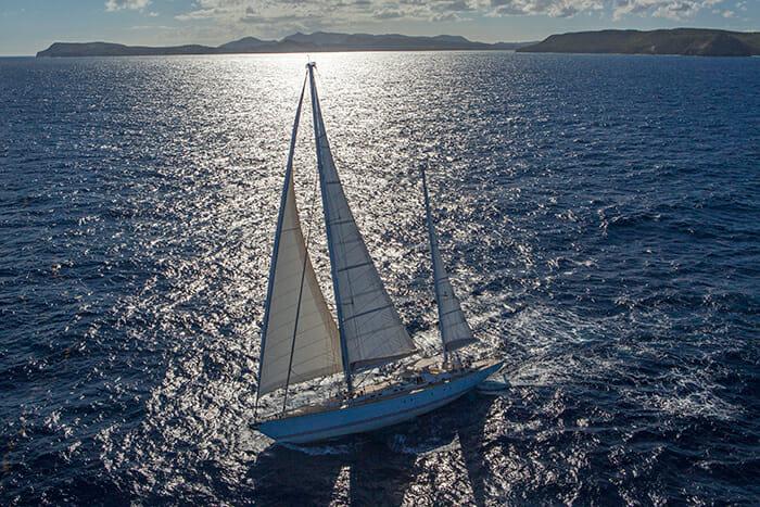 Jupiter sailing