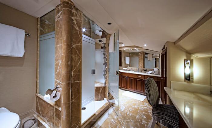 Kemosabe master bathroom