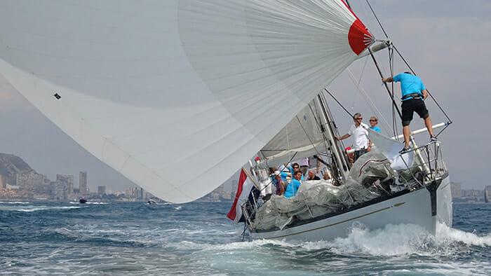 King's Legend sailing