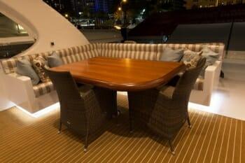 La Manguita flybridge dining
