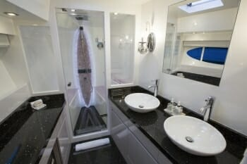 La Manguita master bathroom