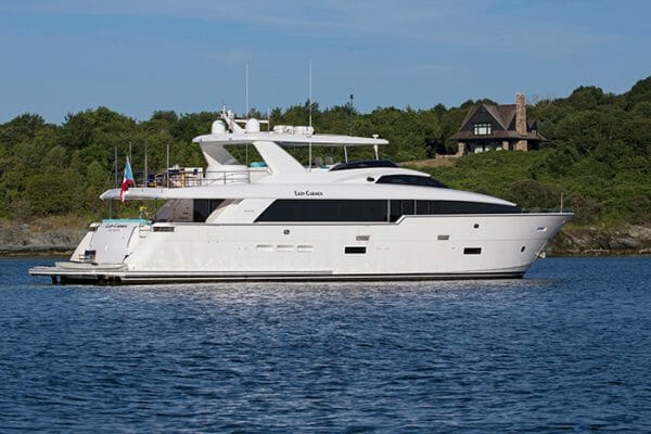 Yacht Lady Carmen