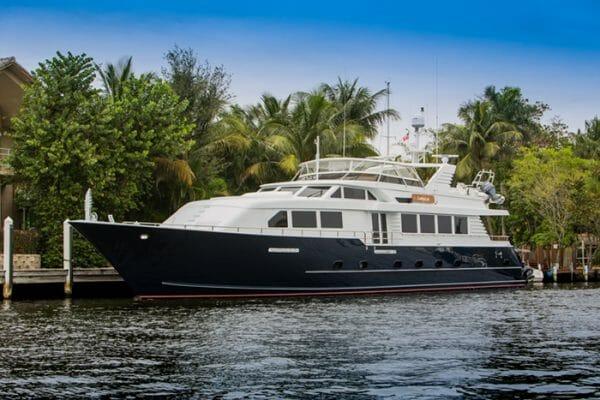 Yacht Lady Lex