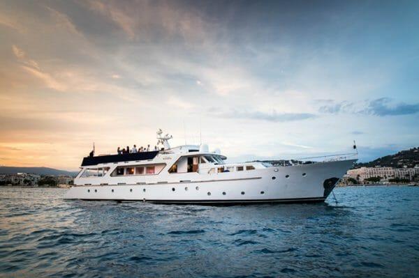Yacht Lady Roxanne