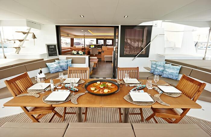 Lir deck dining