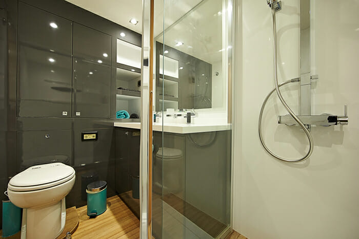 Lir master bathroom