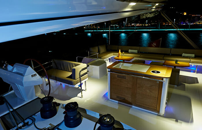 Lir sundeck wet bar